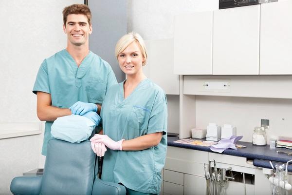 dental assisting training